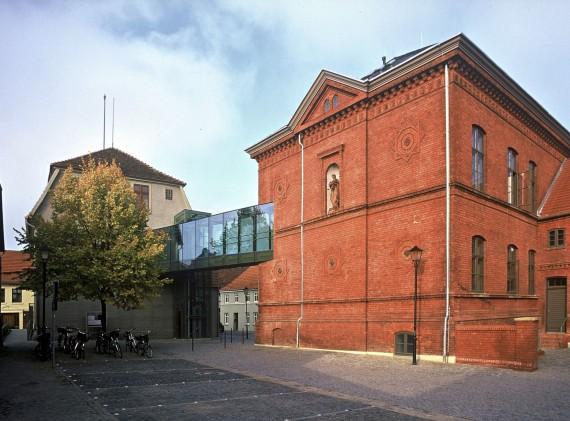 23 Malchow_Amtsgericht_Rathaus_Außen_d8044_006_B_Small.jpg